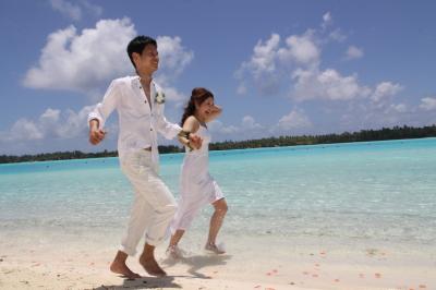 【セントレジス ボラボラリゾート】 ロイヤルビーチ ウェディング