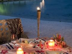 【301】ロマンチック・ビーチ・ディナー