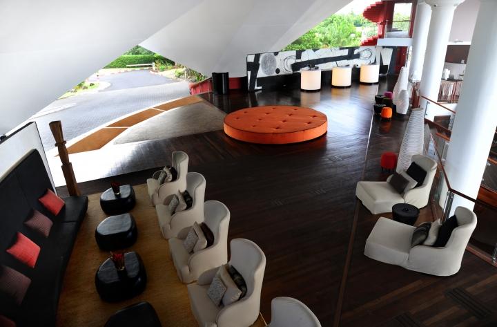 ホテル タヒチ イアオラ ビ-チリゾ-ト <br />(旧ル メリディアン タヒチ)