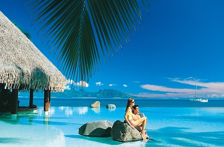 パペーテ(タヒチ島)ウェディング+ボラボラ島に3泊するハネムーン8日間