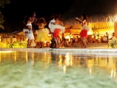 《ボラボラ パールビーチ リゾート アンド スパ》ブッフェディナー&タヒチアンダンスショー