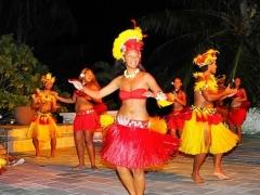《インターコンチネンタルボラボラ タラソスパ》 ブッフェディナー&タヒチアンダンスショー