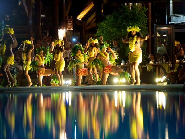 DM07 《マナヴァ モーレア》ブッフェディナー&タヒチアンダンスショー